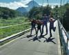 wisata jeep merapi di jembatan gantung