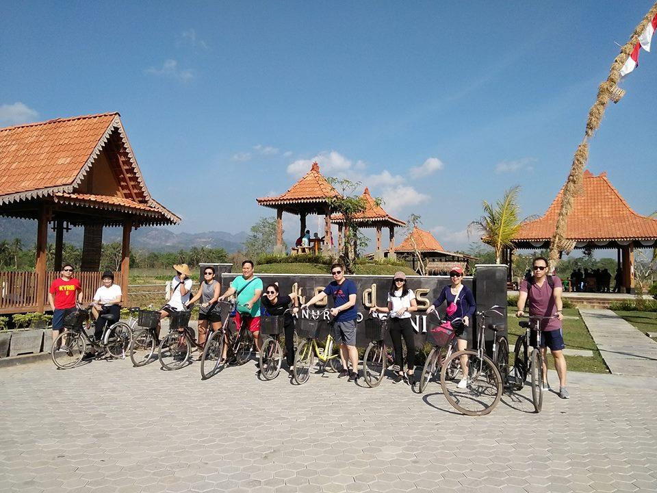 wisata sepeda tua di puthuk setumbu borobudur